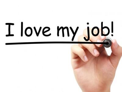 Communiquer, dialoguer : deux attitudes professionnelles favorables à la lutte contre le stress au travail.